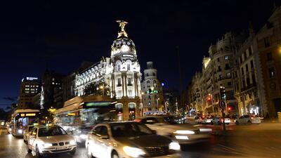 La Gran Vía, en el centro de la capital española, es uno d...