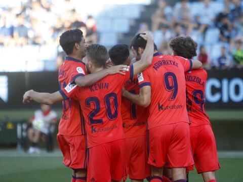 Con Carlos Vela, La Real Sociedad venció por goleada al Villarreal 63638...
