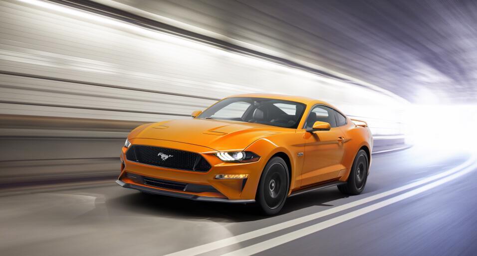 El Ford Mustang GT te da el poder de convertir el rugido de su V8 en un...