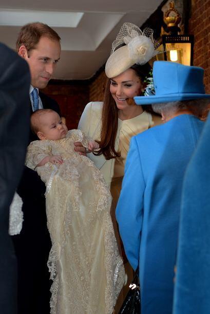 Con la Reina Isabel. Mira aquí los videos más chismosos.