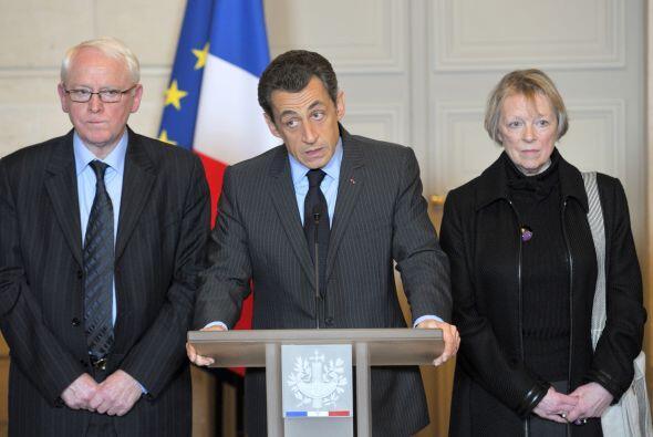 El presidente Nicolas Sarkozy desde París, habló también del conflicto g...