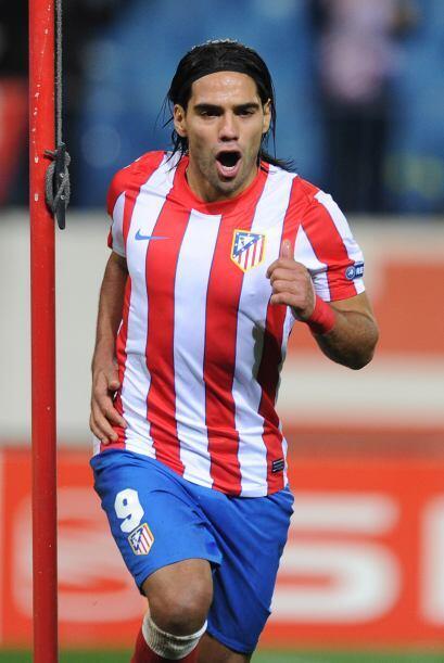 Para el segundo semestre del 2011, firmó por el Atlético de Madrid. Hast...