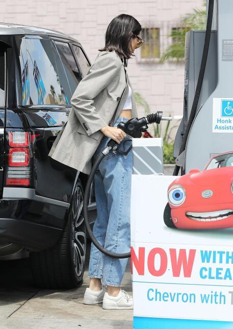 Kendall Jenner es una fanática de los autos, estos son algunos en su col...