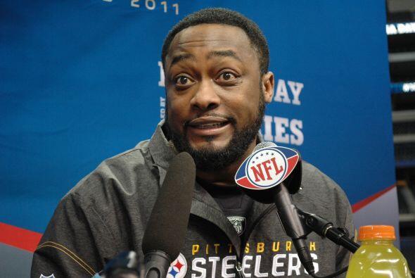 Para gestos especiales, los del entrenador en jefe de los Steelers, Mike...