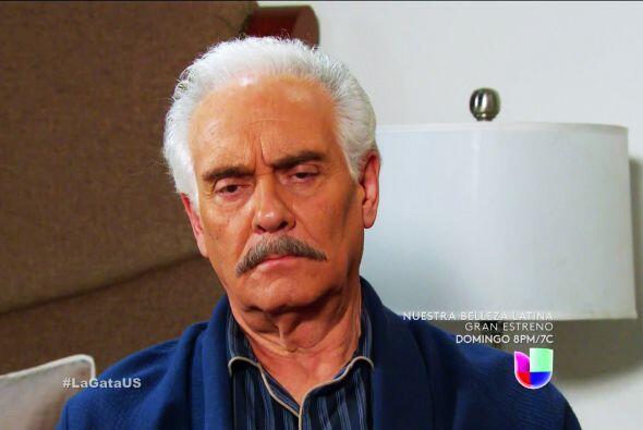 Quiere que cuides a Agustín para tenerte muy cerca y hacerte daño.