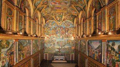 La Capilla Sixtina fue construida en 1484 para el papa Sixto IV, a quien...