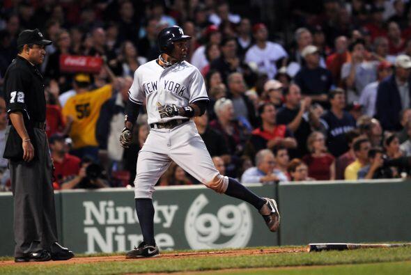 Curtis Granderson anotó la primer carrera para los Yankees.