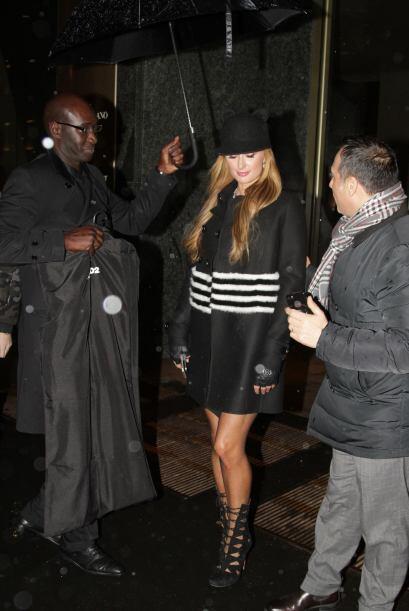 Paris Hilton se encuentra haciendo de las suyas por Italia. Así la capta...