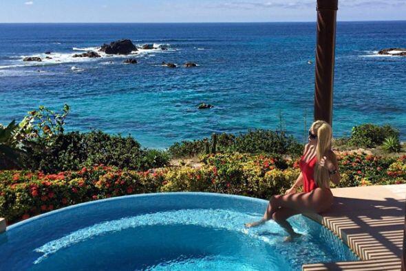 Alejandra disfrutando de las playas mexicanas.