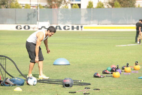 Oscar Luna comenzó el montaje de su zona de ejercicios para establecer l...