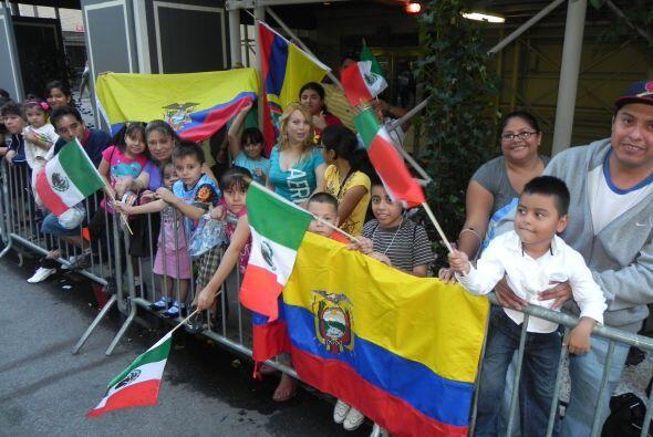 Los niños en el desfile de la Hispanidad 10e1c8c4a13d4740a1371ba8b87d0b5...