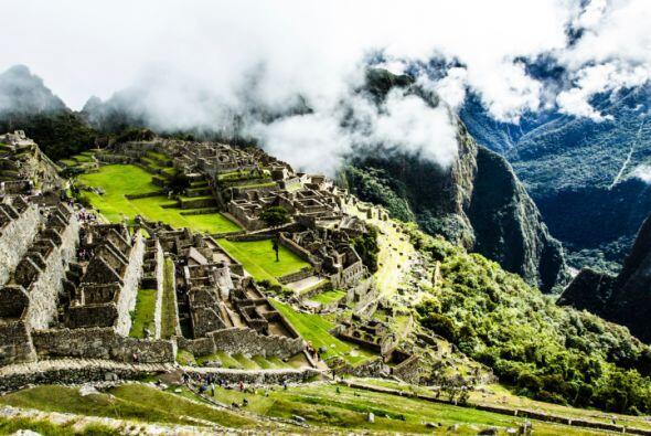MACHU PICHU Además de la fama internacional de esta antigua ciudad Inca...