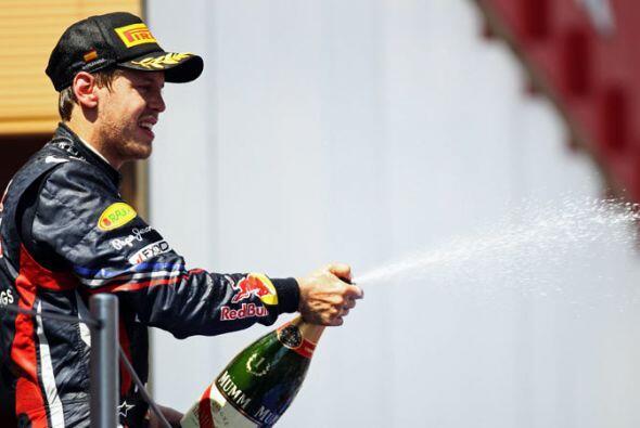El campeón alemán compartiño el festejo con los aficionados.