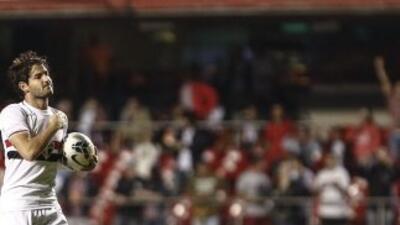 Alexander Pato marcó un doblete para guiar a Santos.