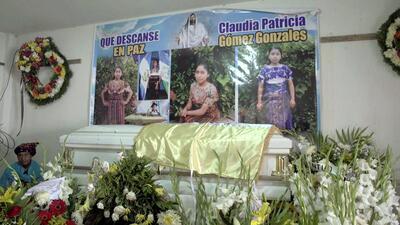 Entre tamales, dolor y rezos: así transcurre el funeral en Guatemala de la joven muerta por un disparo de la Patrulla Fronteriza (fotos)