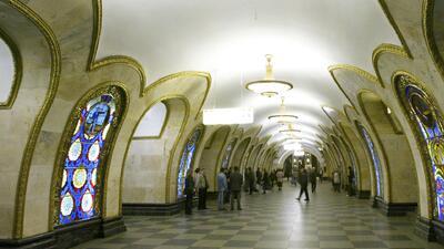 Aunque parece un museo, esto es en realidad el metro de Moscú