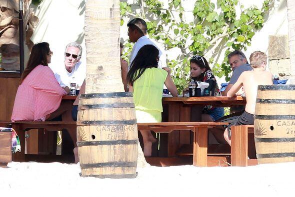 Amal y George están en Cabo San Lucas.