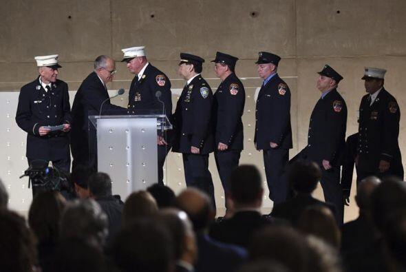 Mickey  Kross  , teniente de bomberos retirado, describió c&oacut...