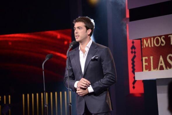 """El actor entregó el premio al Mejor Programa, que se llevó """"Despierta Am..."""