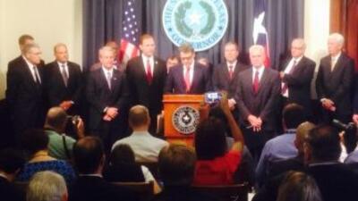 Perry anuncia iniciativa estatal sobre ébola. (Foto: David Herrera)