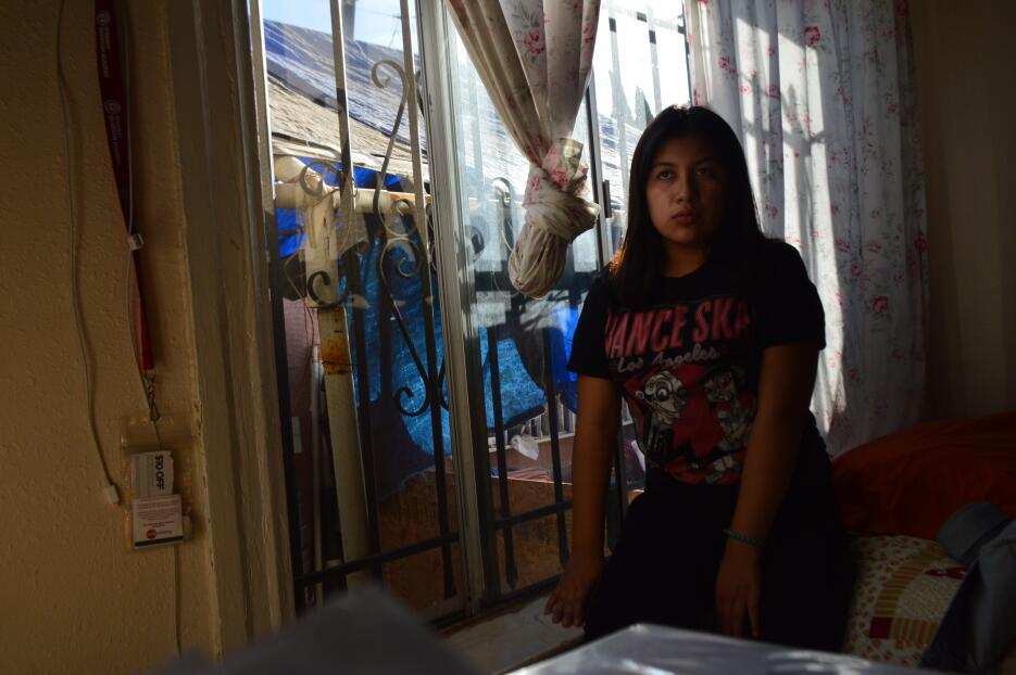 Michelle Perez en su casa en South Central.