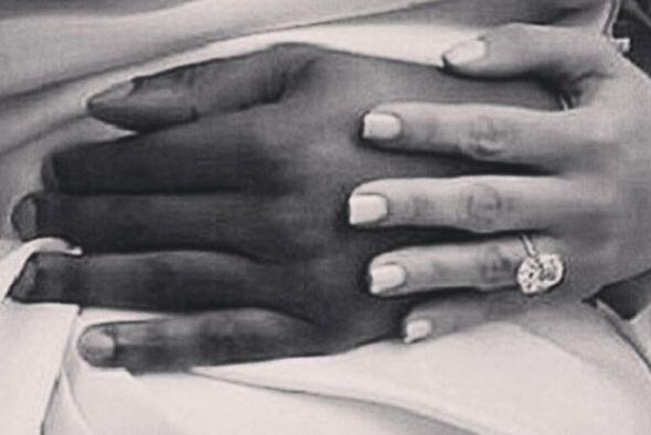 Esta imagen con el anillo la compartió la diseñadora Lorraine Schwartz.
