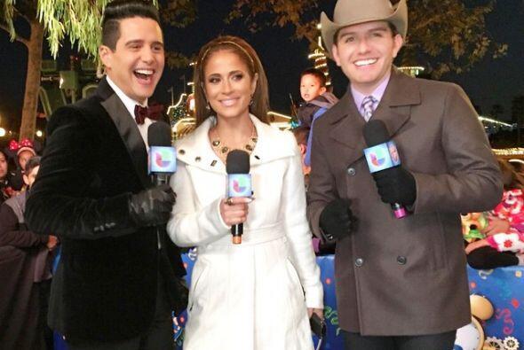 Trabajando o en casa con familia y amigos, los famosos de Univision se l...