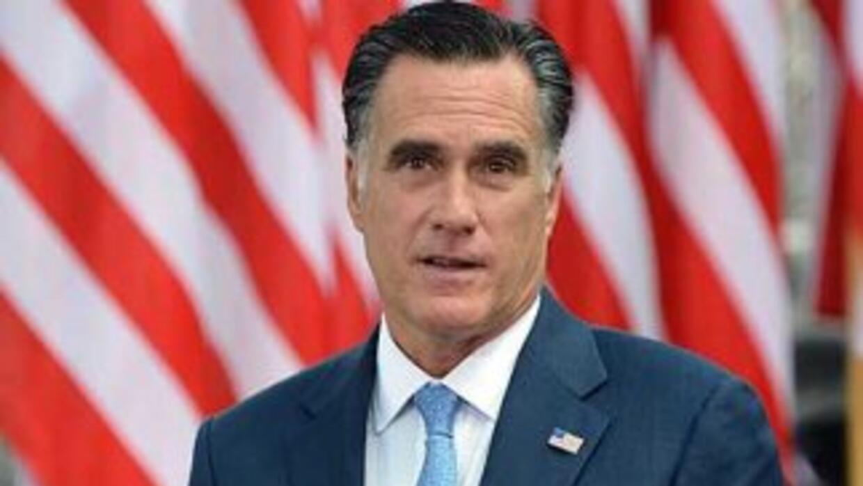 Mitrt Romney empezó su visita a Polonia, el lunes, en Gdansk, invitado p...