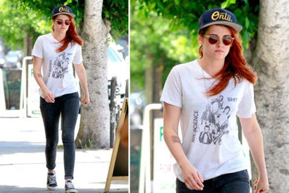 ¡Las gorras de índole deportivo son las favoritas de Kristen Stewart! Co...