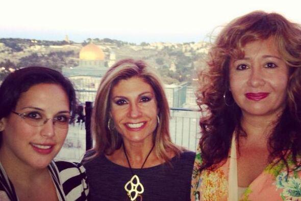 La Vale, Teresa Rodríguez, de Aquí y Ahora, y Jessica Maldonado se la es...