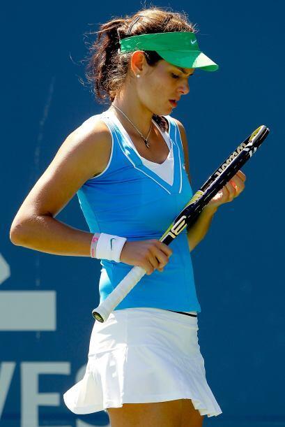 Con 22 años de edad, esta hermosa tenista ocupa actualmente la posición...