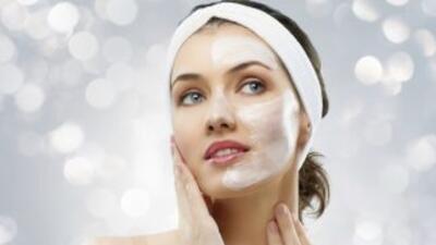 Es importante quitar todos los excesos de maquillje de tu rostro, para e...