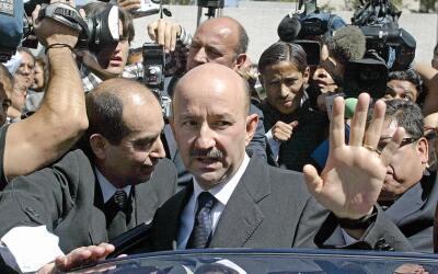 Carlos Salinas de Gortari ganó la presidencia en 1988 en medio de...