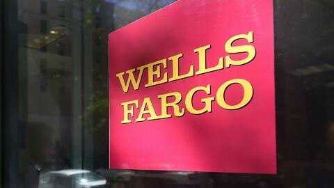Familias y trabajadores protestaron contra Wells Fargo en Dallas y amena...