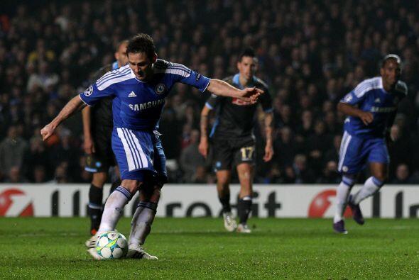 Y Lampard cumplió con su disparo, potente y con buena colocación pese a...