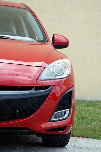 Las luces delanteras cambiaron su estilo para adaptarse al nuevo look de...