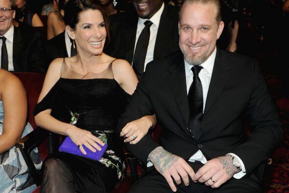 Sandra Bullock y Jesse James La ganadora del Oscar también sorprendió cu...