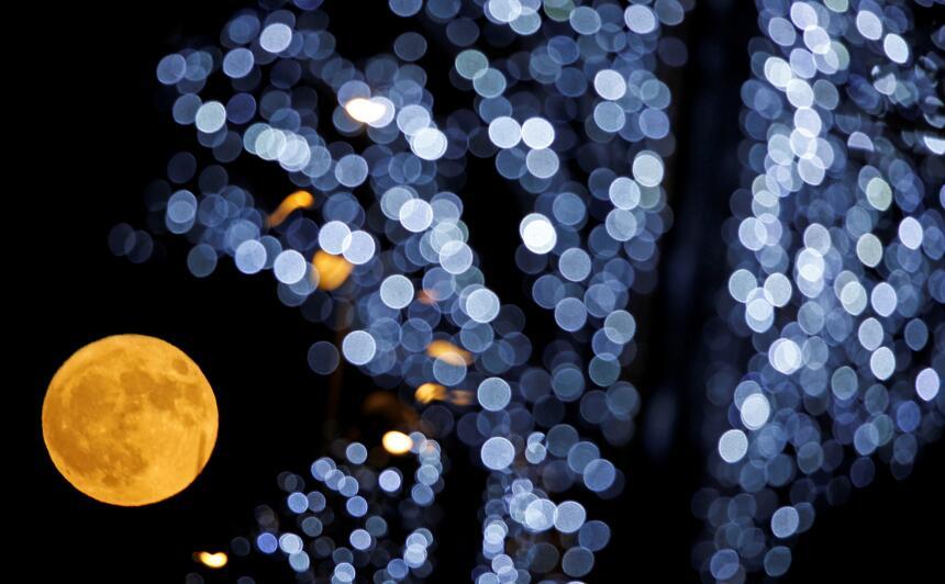 En fotos: Así se vio la superluna en distintas partes del mundo moon-mar...