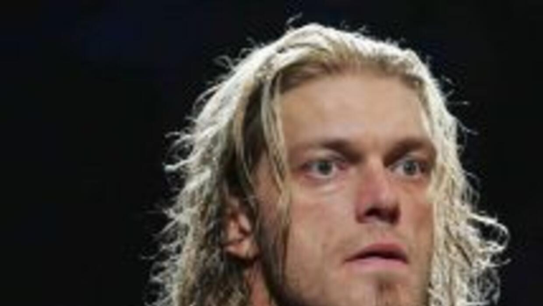 Edge conservó su campeonato pesado y de paso humilló al mexicano Alberto...