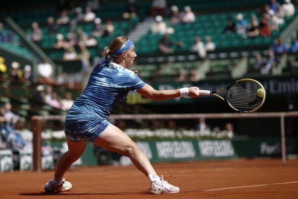 Kuznetsova, ganadora en París en 2009 y finalista en 2006, mejora...