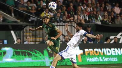 Osos monumentales del arquero de Montreal y un gol de Diego Valeri le salvan el partido a Portland