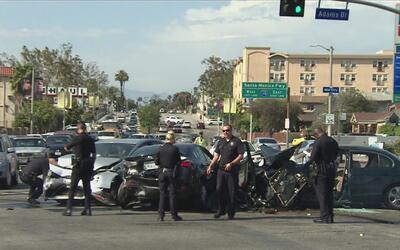 Accidente vehicular en Crenshaw deja al menos siete personas heridas