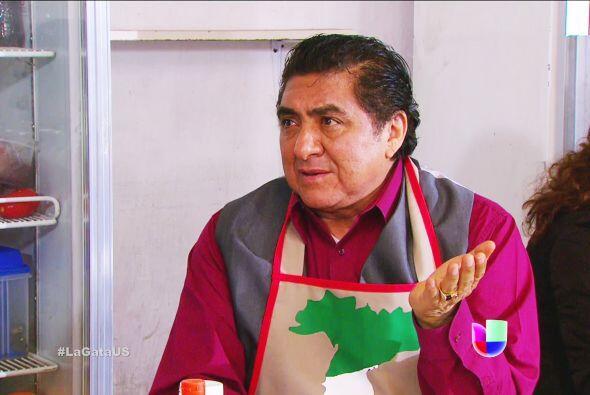 Ni festeje don 'Italiano', Pablo está por llegar para exigirle que le co...