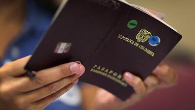 Cubanos que sueñan con viajar a EEUU viven un viacrucis tratando de conseguir la visa colombiana