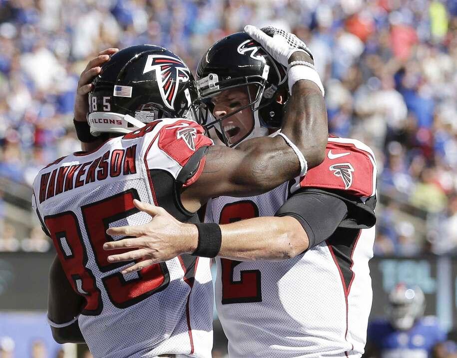 Los Atlanta Falcons regresaron de 10 puntos de desventaja en el último c...