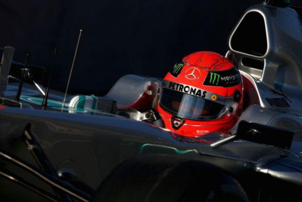 En el Gran Premio de Gran Bretaña de 2009 se fracturó una pierna por un...