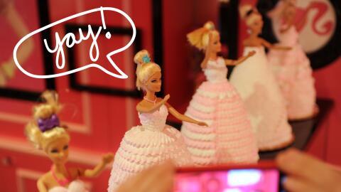Barbies en aparador