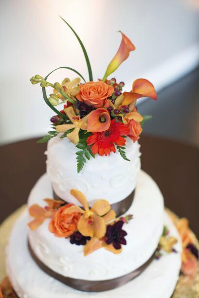 Los listones y las flores de chocolate son excelentes para crear un 'loo...