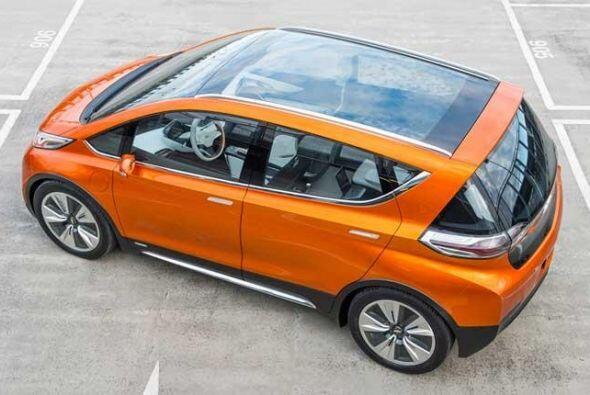 Chevrolet Bolt EV Concept: Además, posee luces de giro sobre los espejos...