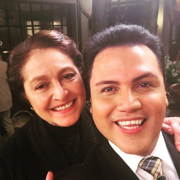 Auri se fue al set de la nueva serie de Univision en México y muy pronto...